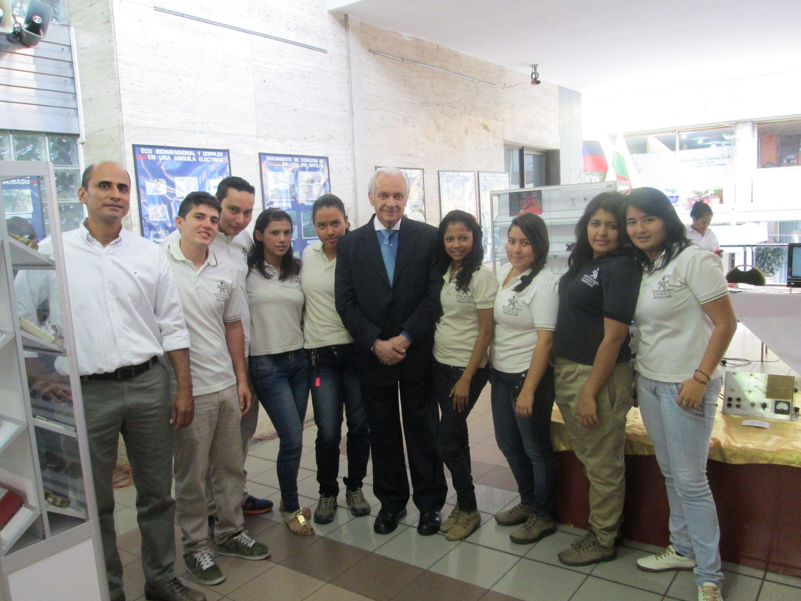 Corcultura organizó la Exposición del Museo del Marcapasos en Ibagué, conmemorando los 55 años de su creación